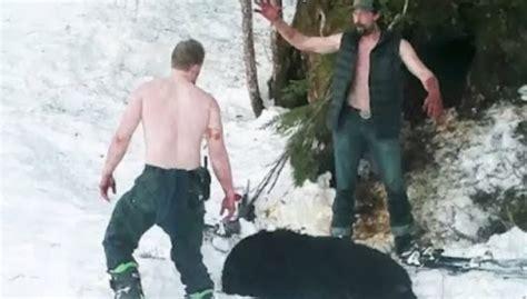 Šokējošs VIDEO: tēvs ar dēlu nošauj ziemas miegā guļošu ...