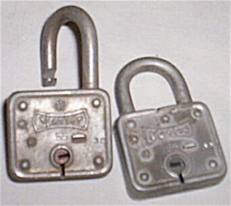 locks pair   master locks miscellaneous