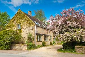 English Countryside Cottages And Houses Stand The Test Of Time