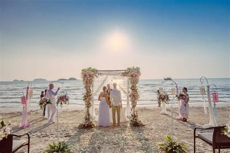 wedding photography thailand a small beach wedding in