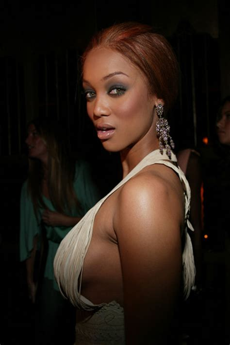 tyra banks in victoria 39 s secret supermodels host party for