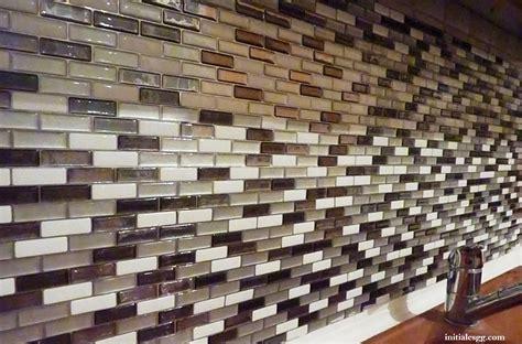 carreaux adhesifs cuisine test le carrelage adhésif par smart tiles initiales gg