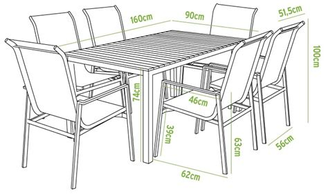 oferta de mesa de comedor y sillas para exteriores