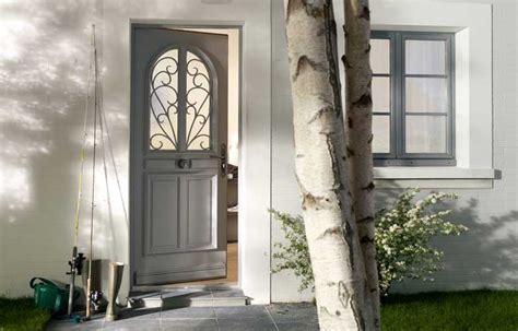 cuisine peinte en gris le prix des portes d 39 entrée le dossier construire facile