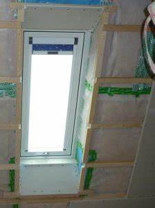 Wand Mit Gipskarton Verkleiden : dachfenster mit rigips ohne einbaurahmen verkleiden ~ Frokenaadalensverden.com Haus und Dekorationen