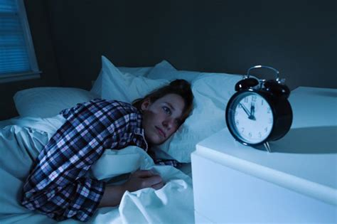 How To Fall Asleep When It's 4 A.m. And You're Wide Awake