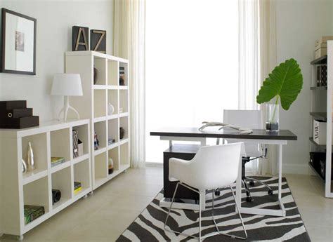 Modern Home Office Design With Black And White Desk