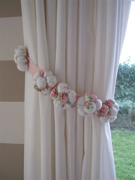 one fabric 5 padded flowers curtain tie back white light