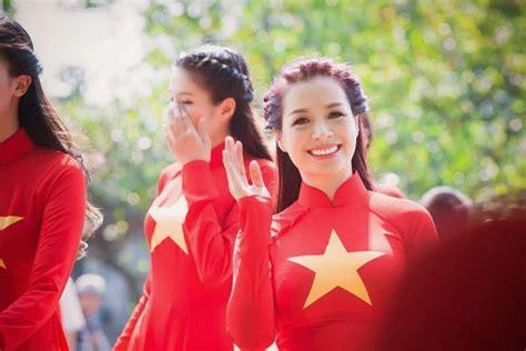 girl viet nam  ao dai national flag bohuccom