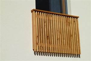 zaun balkongelander sichtschutz einfriedung umrandung With französischer balkon mit moderne skulpturen für den garten