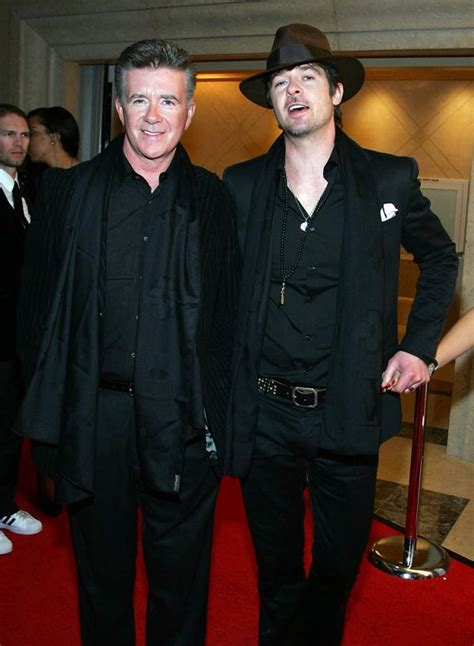 robin thicke  brother brennan legal battle  father