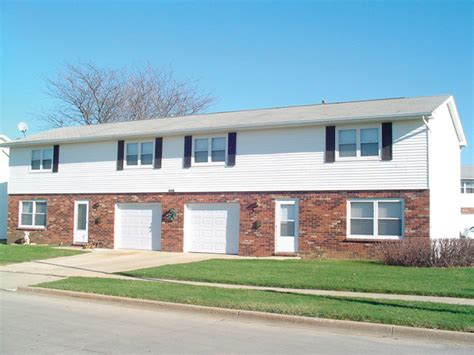 309 311 s st normal il apartment finder