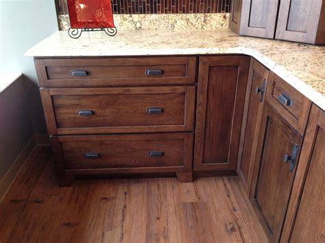 width of kitchen cabinets 1000 images about country kitchen on oak 1532