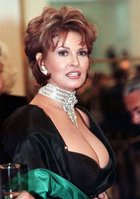 pictures  raquel welch picture  pictures