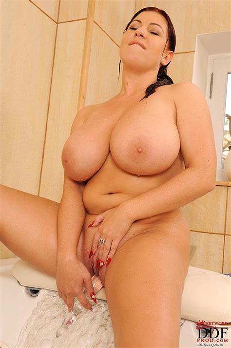 Bbw Milf Kora Rubbing And Toying Her Shaved Pussy In The