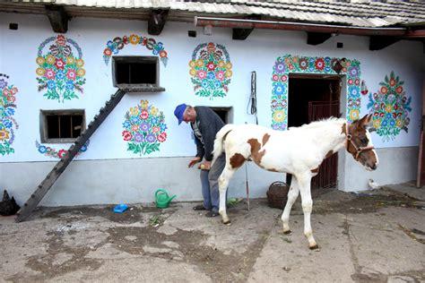 Zalipie Poland's Painted Village  Kuriositas