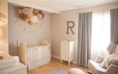 babykamer ideeen muur verduisterende gordijnen babykamer