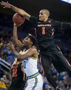 Men's basketball ends regular season with loss to Oregon ...