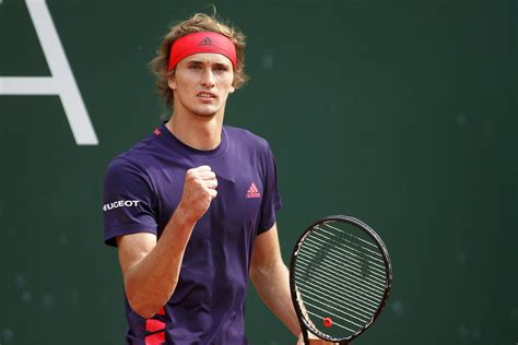 Nov 06, 2020 · zverev, who was a finalist at this year's us open and has long been regarded as a successor to tennis's established 'big three', issued a denial of sharypova's account when she first. Alexander Zverev salva dois match points rumo ao primeiro ...