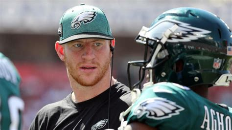 carson wentz reportedly   play  injury