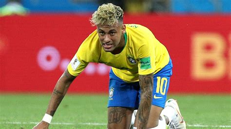 Neymar Hobbles Out Of Brazil Training Ahead Of World Cup Clash With Costa Rica