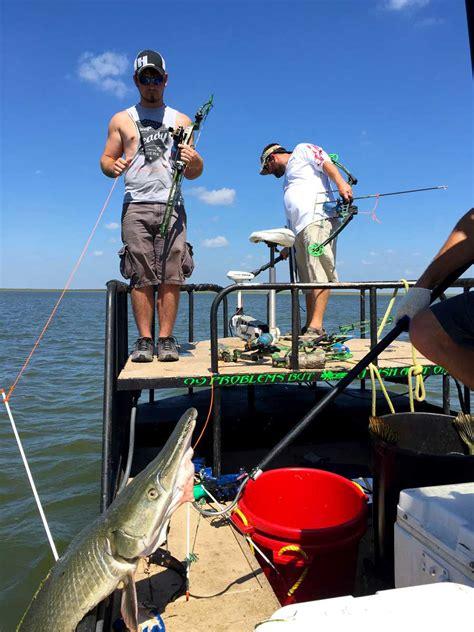 extreme bowfishing texas premiere alligator gar guide