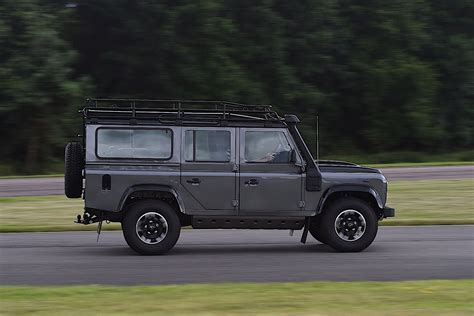 Land Rover Defender 110 Specs & Photos