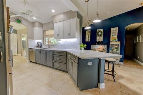kitchen cabinets cape coral portfolio kitchens bathrooms cabinets cabinet genies 5946