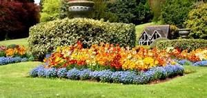 Picturesque Colorful Garden Ideas For Your Landscape