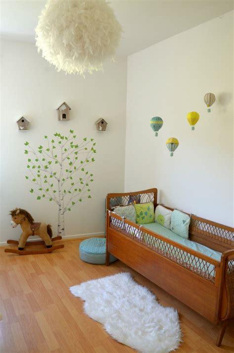 lustre de chambre idée déco chambre bébé inspirante et vraiment douce