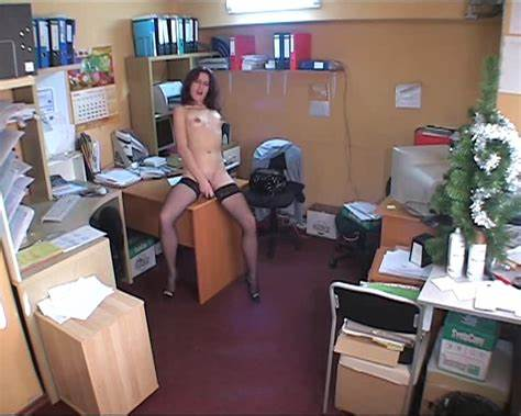 Student Spied On In A Dressing Office