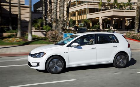 car guides   buys volkswagen golf  car