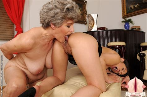 Granny Aliz Is Fucking Hard With A Sweet Teen Girl