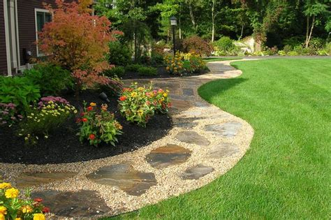 gravel landscape ideas gravel pathway landscaping ideas pinterest