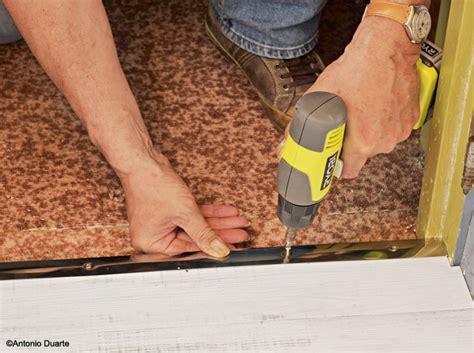 chambre a gaz vrai ou faux poser les plinthes et la barre de seuil maison travaux