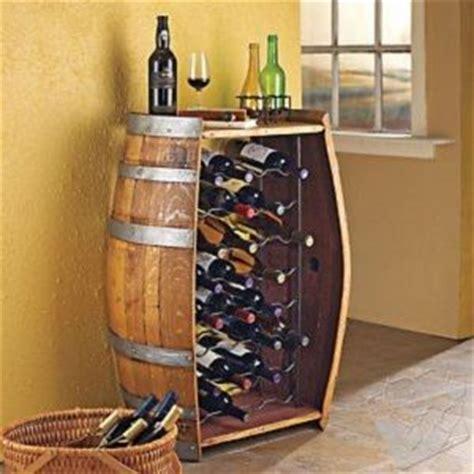 vin chambre d amour tonneau de rangement pour bouteille de vin bar et simple