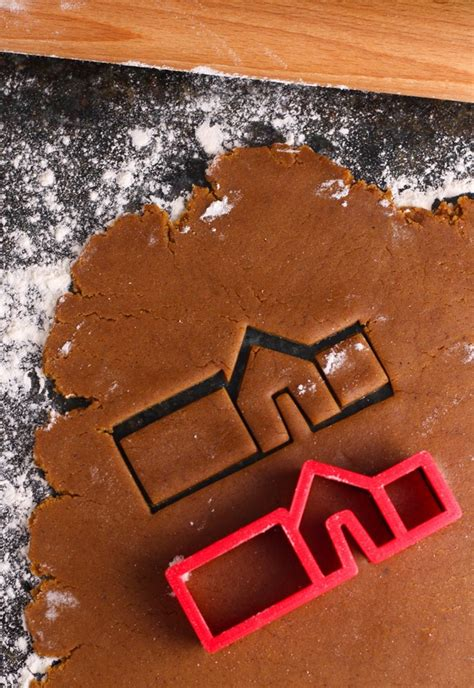 mini gingerbread house cookies cooking  messy