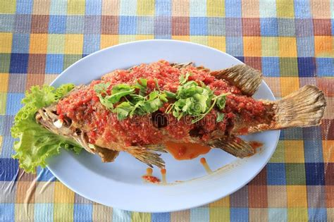 fish grouper seafood thai dish chili seasoned dining table