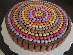 Décorer Un Gateau Au Chocolat : g teau tout chocolat au micro ondes pour 8 personnes recettes elle table ~ Melissatoandfro.com Idées de Décoration