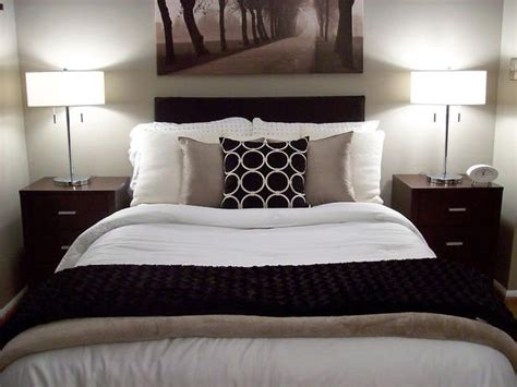 master bedroom accessories best 25 brown master bedroom ideas on pinterest brown 12226 | 19bb43c3115a83bcd256fcacb52810f3