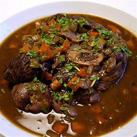 cuisiner jarret de boeuf jarret de beuf vin cookeo un plat délicieux avec