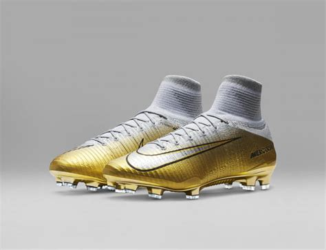 Disappearing Boat Cleats by Cristiano Ronaldo S Boots Quinto Triunfo F 250 Tbol Emotion