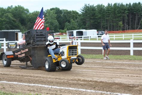 Garden Tractor Pull  What's The Buzz