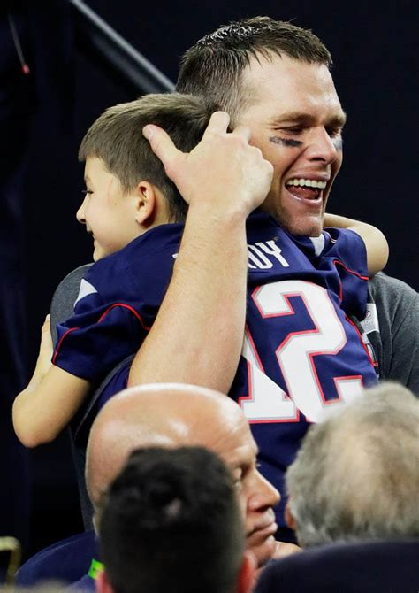 tom brady  gisele bundchen celebrate  england
