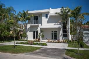 Houses Beach Sale