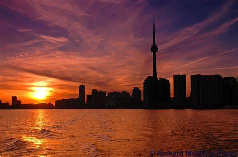 skyline  sunset toronto ontario  toronto skyline