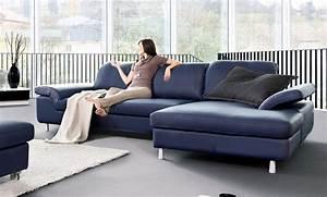 un canape bleu en cuir chez soi blog de seanroyale With tapis moderne avec canapé en cuir bleu marine