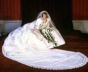 why princess diana39s wedding dress sketch was ripped With diana wedding dress