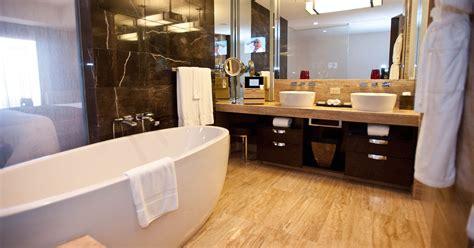 hotel bathrooms  las vegas