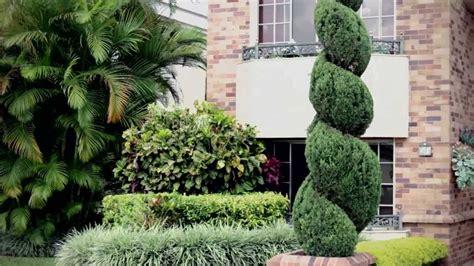 El Escultor De Jardines Youtube